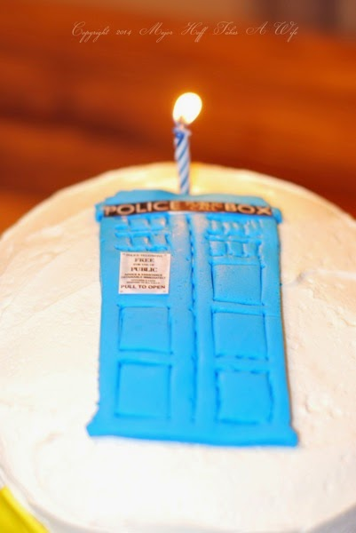 Doctor Who Tardis Cake with Fondant Police Box