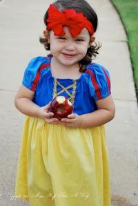 Snow White Halloween costume easy DIY