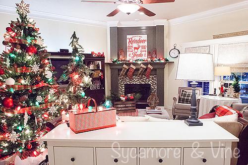 Plaid Country Christmas Living Room Decor