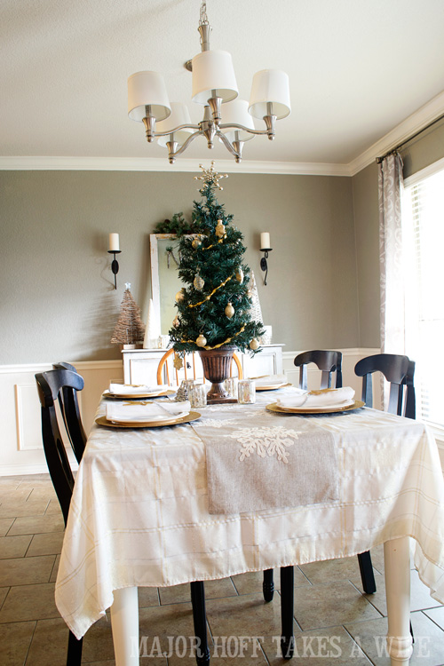 Dining Room Christmas Decorating 2014. A delightful Dining Room Holiday Tour. See how Mrs Major Hoff decorates for Christmas. The tour features table decorations, dining room decorating ideas, place settings and an idea for homemade Christmas gift that can be personalized for your holiday guests. This post is part of the Home For The Holidays Blog Tour.