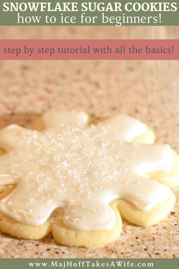 How to ice and frost sugar cookie snowflakes for beginners. Learn the ends and outs to making the perfect icing for sugar cookies, how to pipe an edging, flooding a cookie and more! Step by step to take the intimidation out! So grab your favorite sugar cookie recipe, whip up some simple icing, and make the most perfect Christmas cookies for gifting! #Christmasrecipes #Christmascookies #snowflakes via @mrsmajorhoff