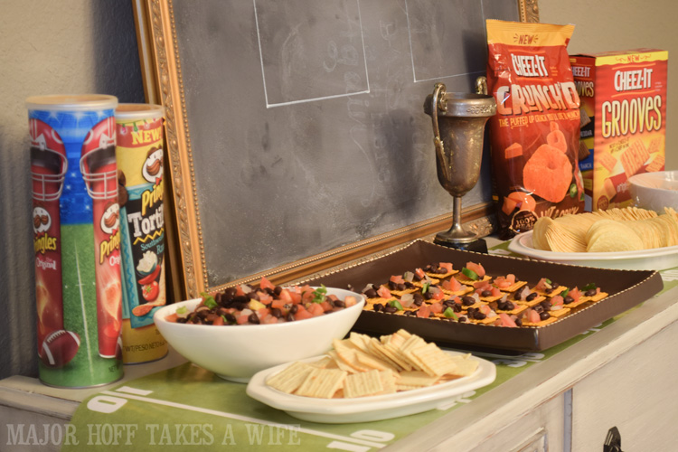 Big game party food ideas. An easy to throw party for the Big Game. Features easy party ideas for snacks, dips and decor. Includes a recipe for Roasted Red Pepper Hummus without seeds! #BigGameSnacks #collectiveBias #ad