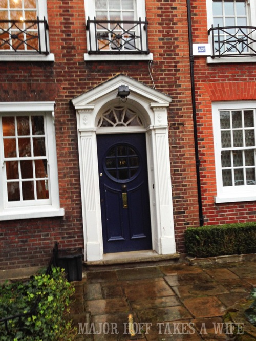 Painting ideas inspired by London. Looking for painting ideas? About to pick a front door color? Be inspired by these doors found in London. From classic to bold, there is sure to be a color that suits you! #color #inspiration #London #FrontDoor #paintingideas