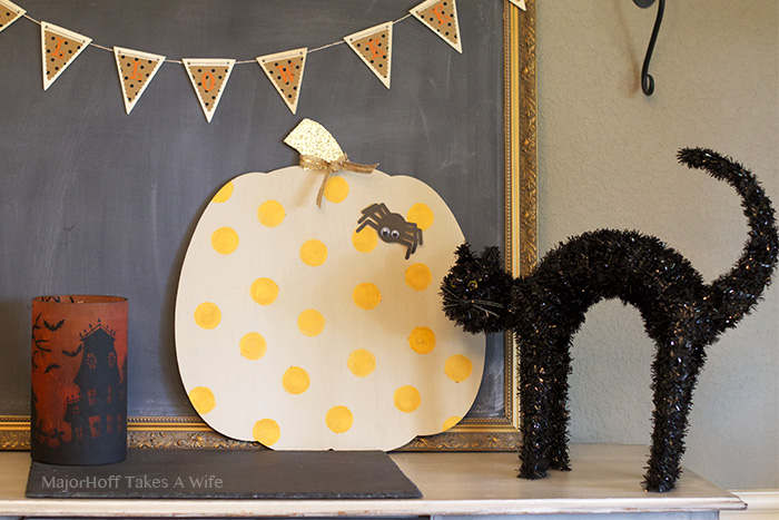Spider on a polka dot pumpkin - a fun way to decorate for Halloween