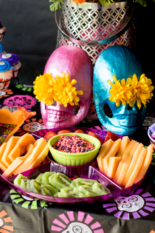 Fruit plate for day of the dead