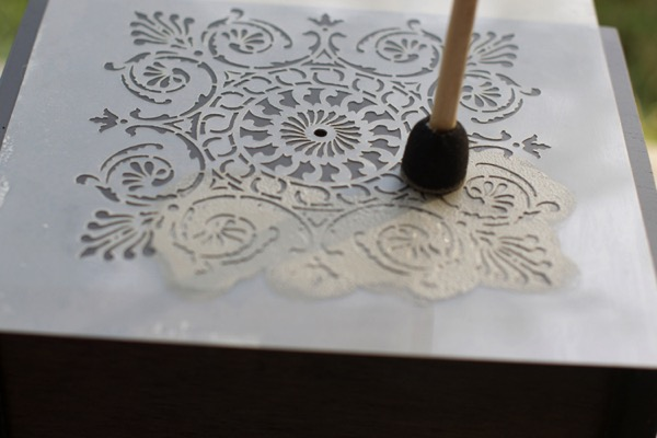Stipple a stencil for a pattern