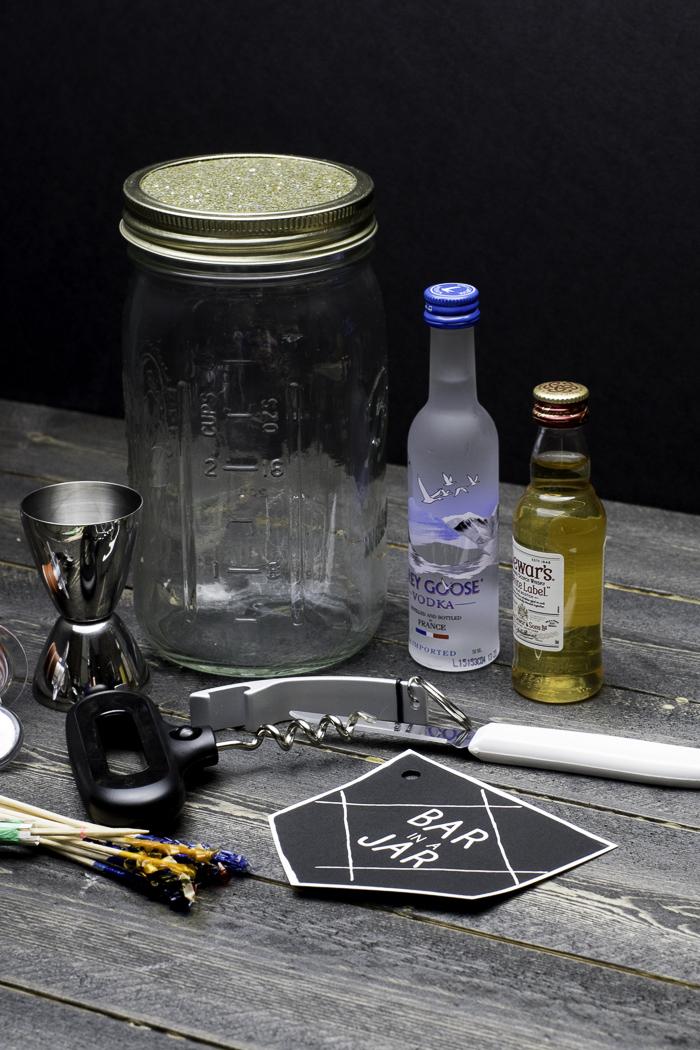 Bar in a Jar gift idea