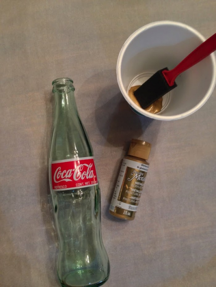 Painting a coke bottle