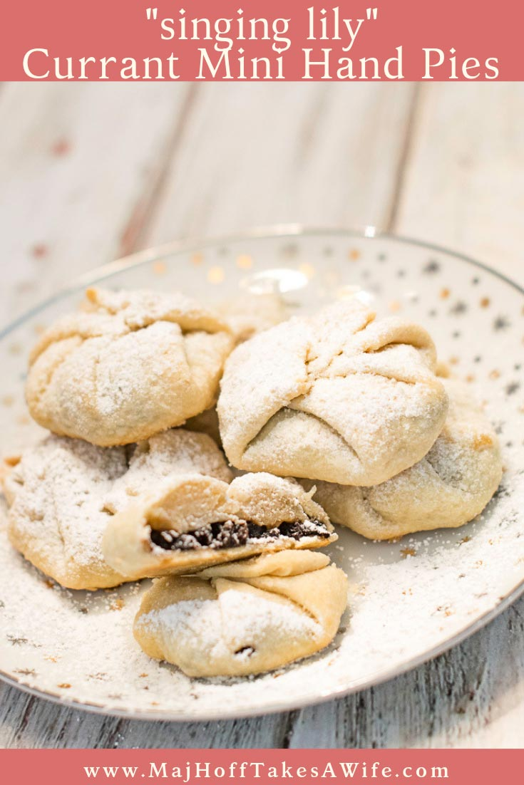 Is it a chorley cake? Singing Lily? An Eccles Cake? A currant cake? Whatever they are, these traditional mini hand pies are adorable. Based on a recipe from my British Great Grandmother- simply fold extra pie crust around a heaping spoonful of currants and sugar. Perfect for those leftover Thanksgiving and Christmas pie crust scraps! via @mrsmajorhoff