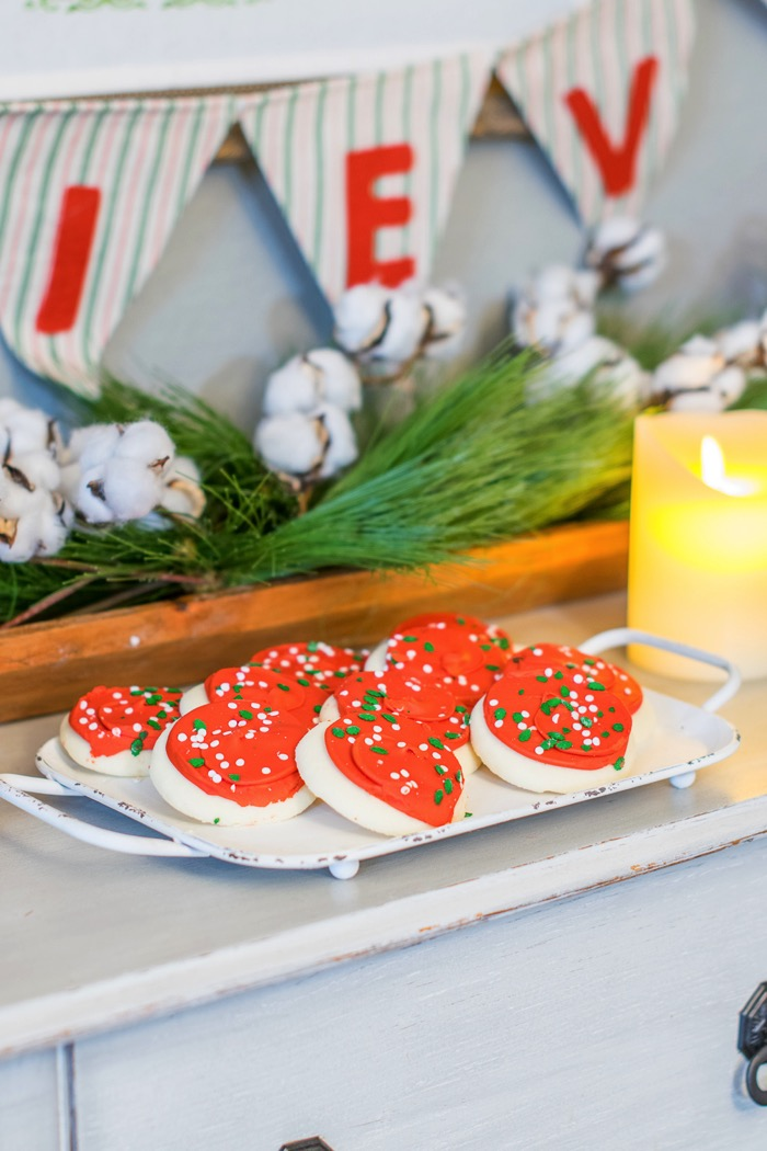 Fixer Upper Inspired Holiday Home Tour with sugar cookies