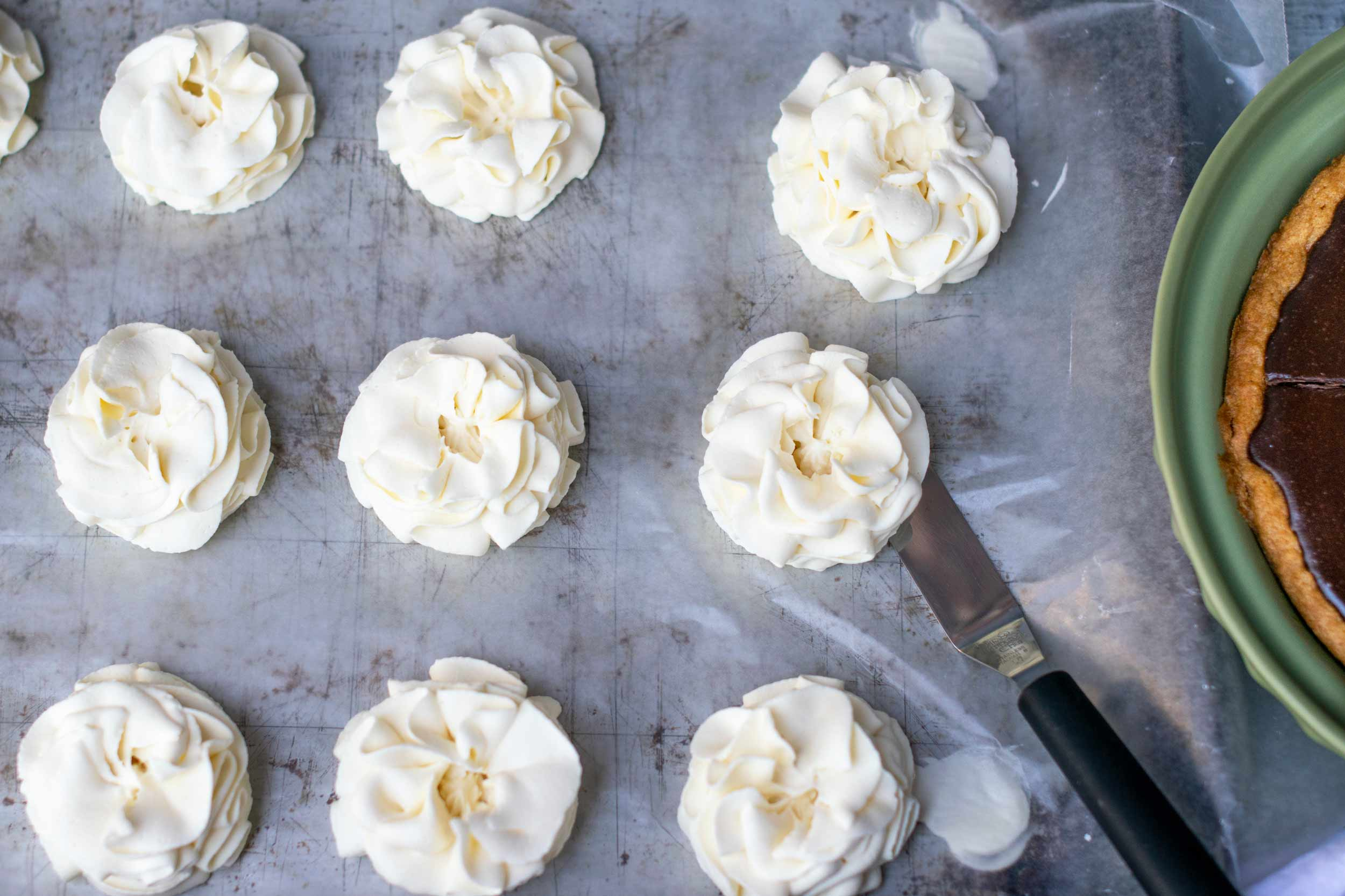 Sturdy Whipped Cream Frosting Major Hoff Takes A Wife Family Recipes Travel Inspiration