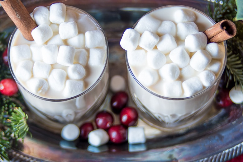 hot chocolate with vodka and baileys and marshmallows