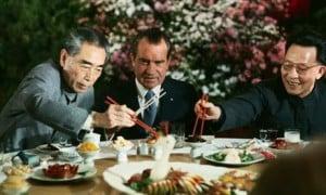 Nixon et Zhou se rencontrent en Chine.
