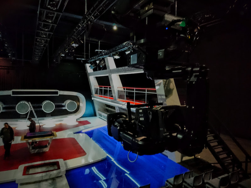 NEWTON TV SET 1