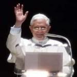 нападение на папу римского Бенедикта XVI