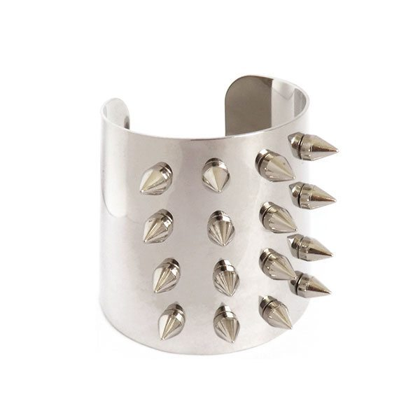 comprar brazalete rígido con pinchos