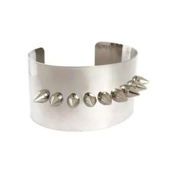 comprar online pulsera rígida con pinchos plateada