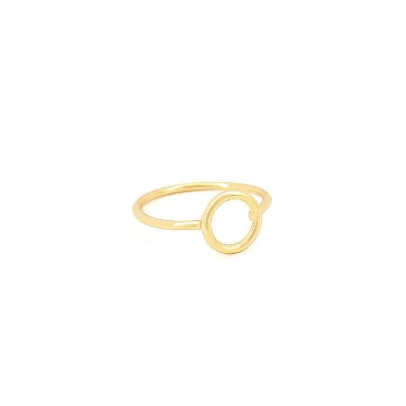 anillo circulo dorado