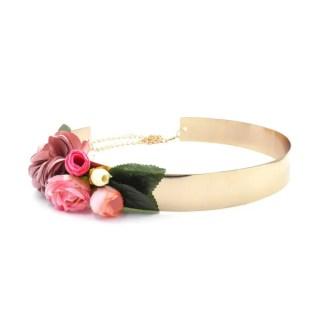cinturon dorado con flores de tela en color rosa
