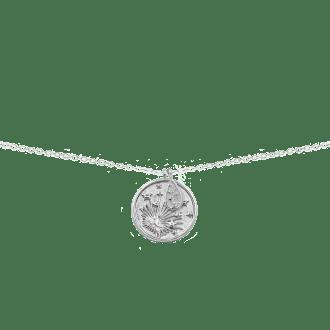 Collar con medalla con diseño de estrella y planetas