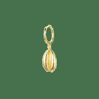 Aro con colgante en forma de concha tendencia verano 2019