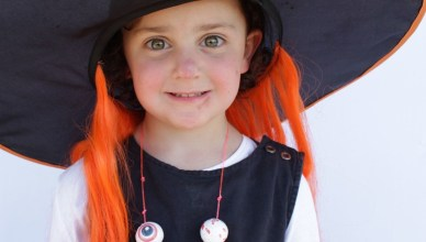 How to Make a Bubble Gum Eyeball Necklace