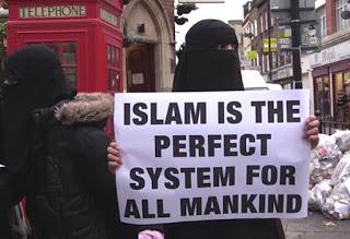 united-kingdom-muslims-stage-anti-alcohol-protest-in-brick-lane-01-jan-14