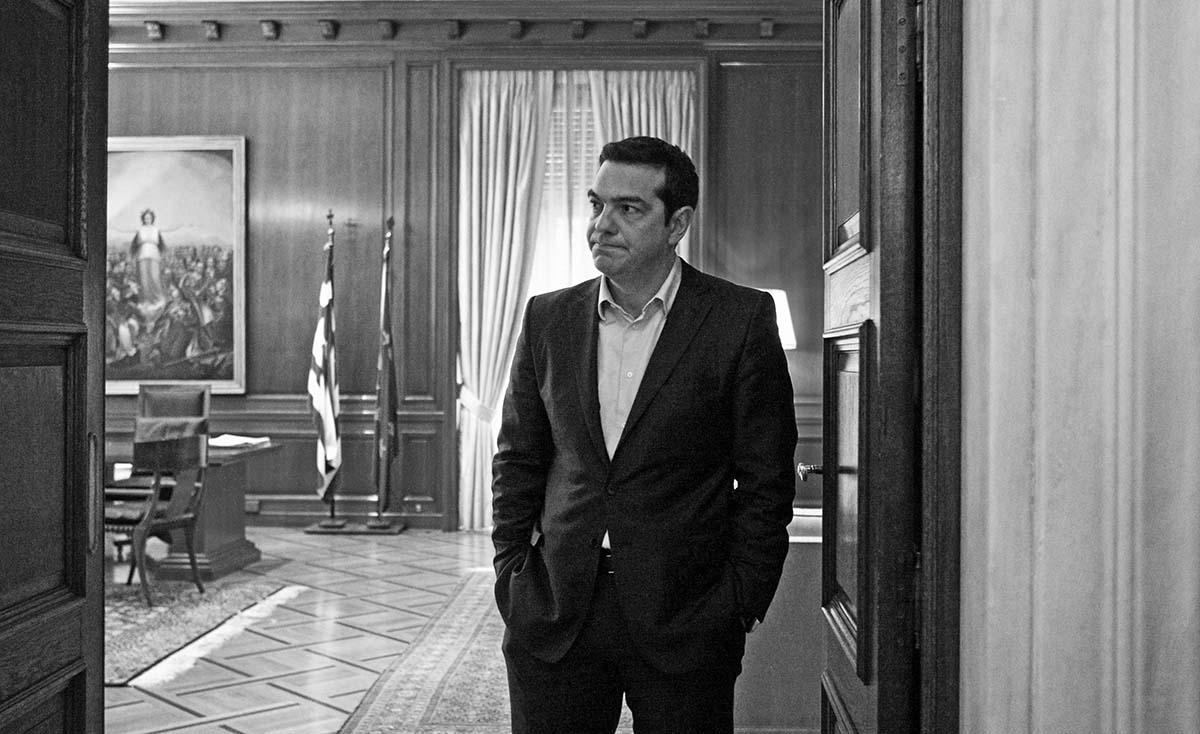 Συνάντηση του πρωθυπουργού Αλέξη Τσίπρα με τον πρόεδρο του ΠΑΣΟΚ Ευαγ. Βενιζέλο την Τετάρτη 18 Φεβρουαρίου 2015, στο Μέγαρο Μαξίμου. (EUROKINISSI/ΤΑΤΙΑΝΑ ΜΠΟΛΑΡΗ)