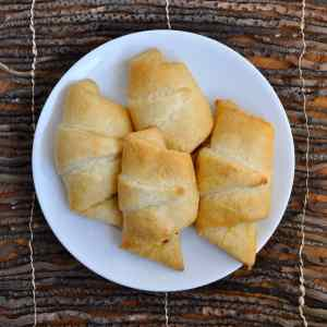 Cheesy Bacon Crescent Rolls Recipe