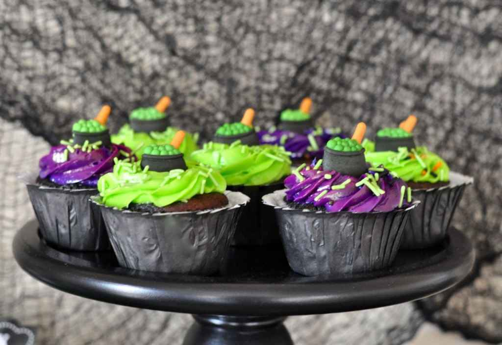 Witch Halloween Cupcakes