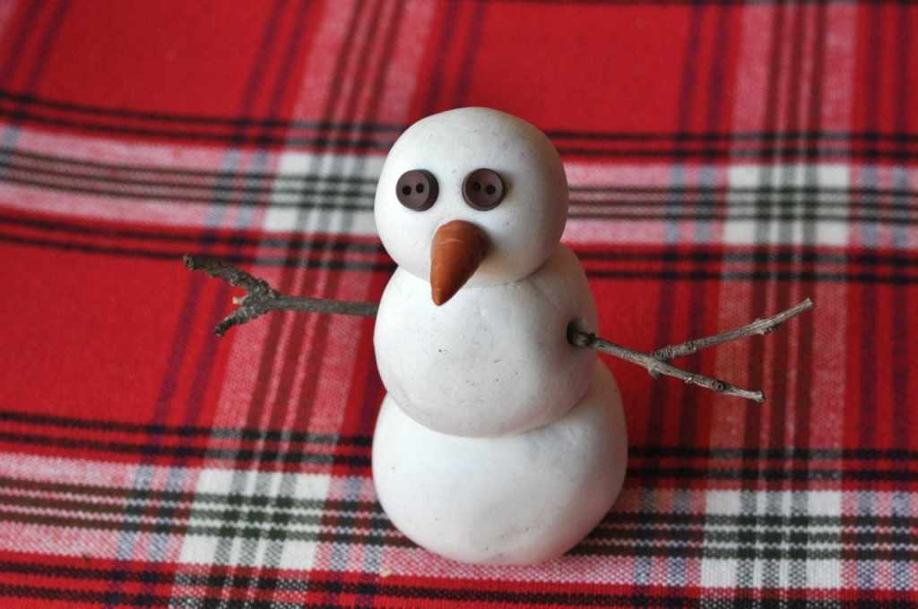 DIY snowman decoration