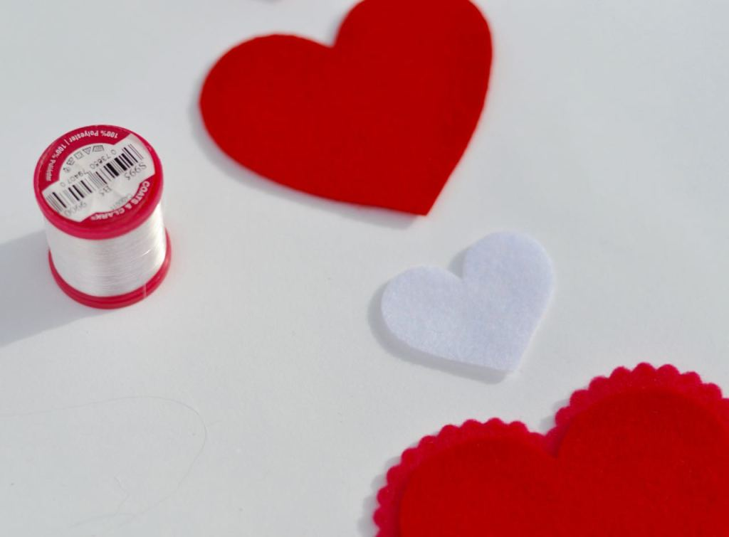 Heart mobile DIY