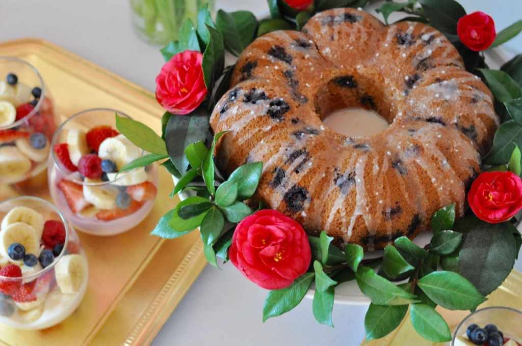 Lemon blueberry coffe cake brunch recipe. Perfect for a brunch party!