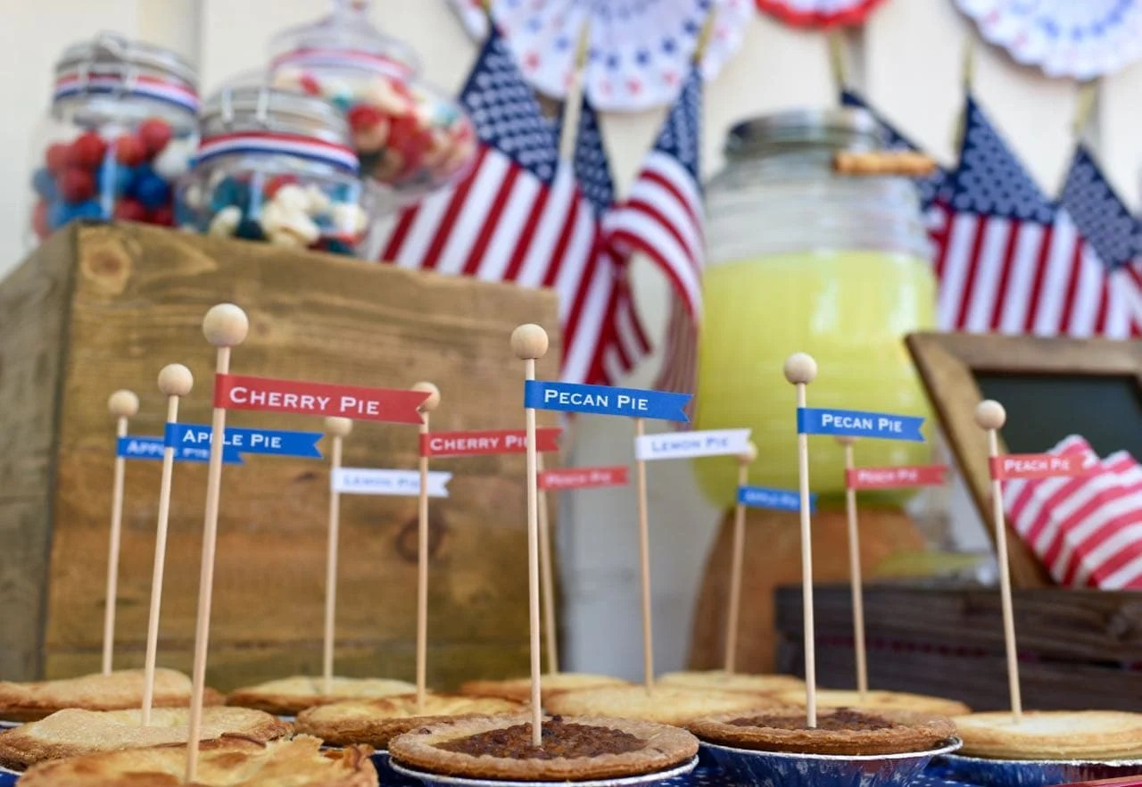 Free printable pie labels at an Old Fashioned Fourth of July Party