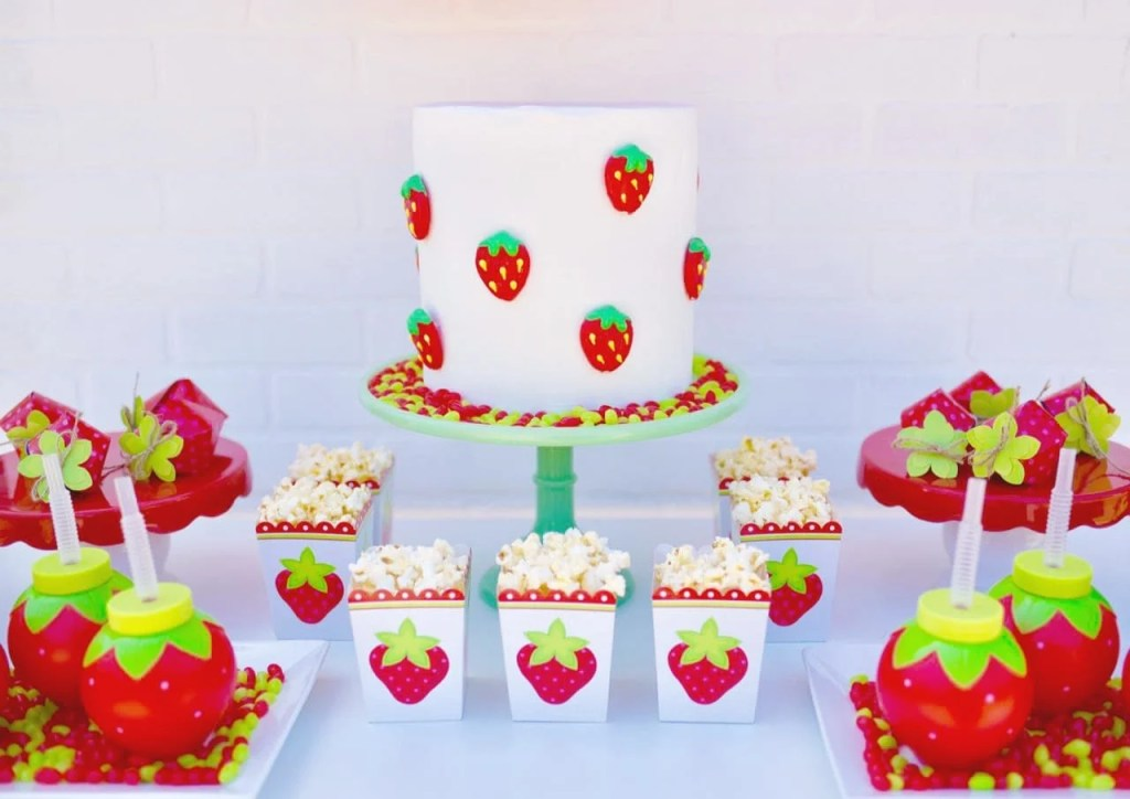 Strawberry cake at strawberry party. So easy to make!