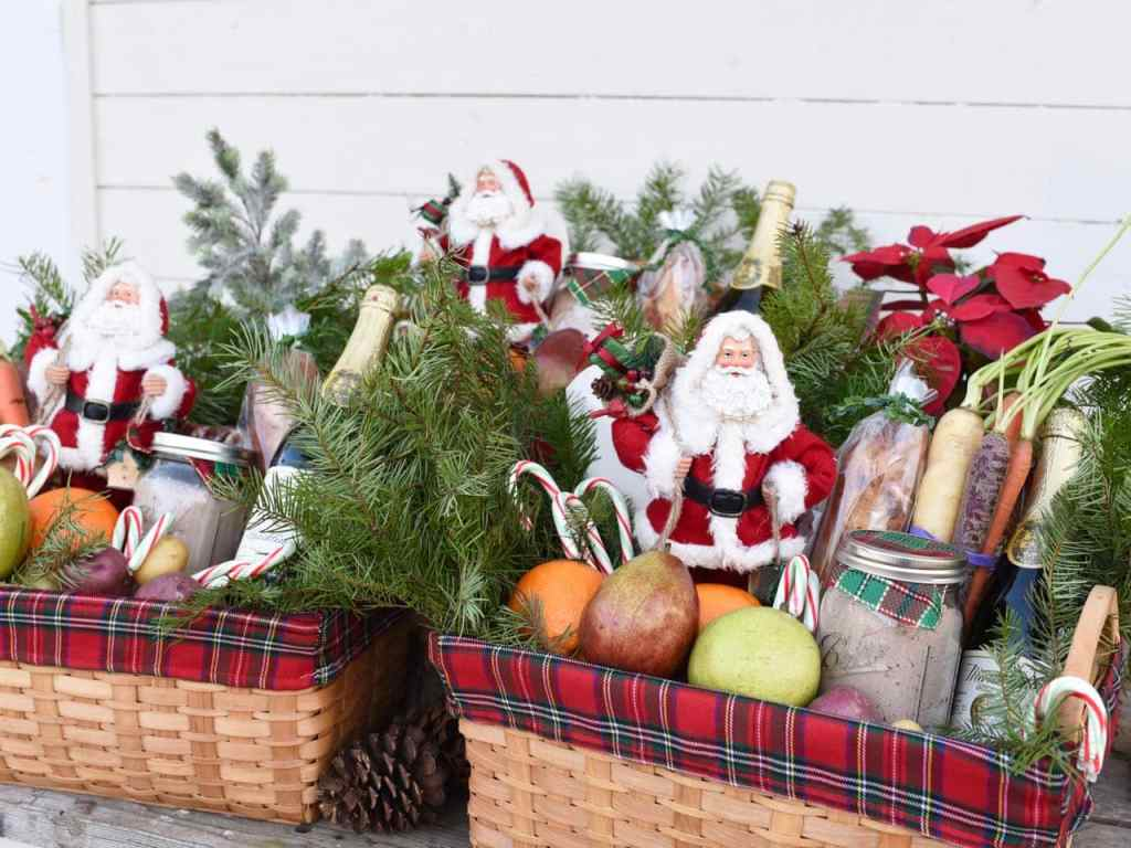 Christmas gift baskets service project #FeedtheHungry #LighttheWorld