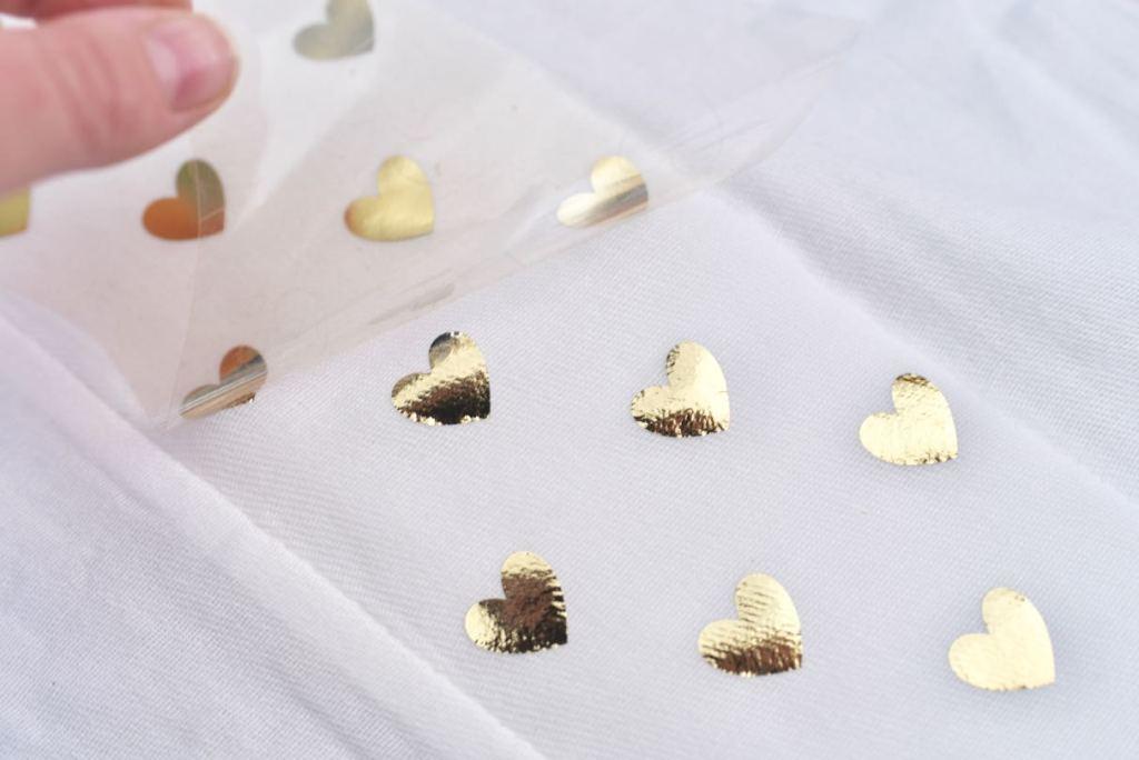 Easy no sew burp cloths using heat transfer vinyl htv