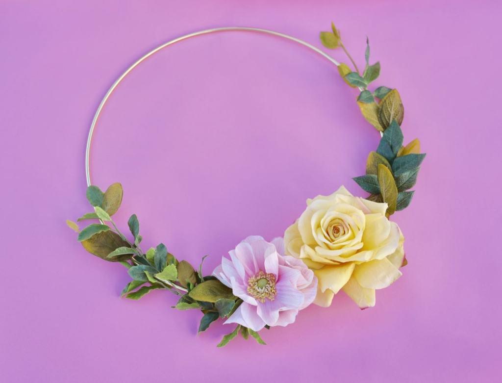 Modern floral hoop wreath tutorial