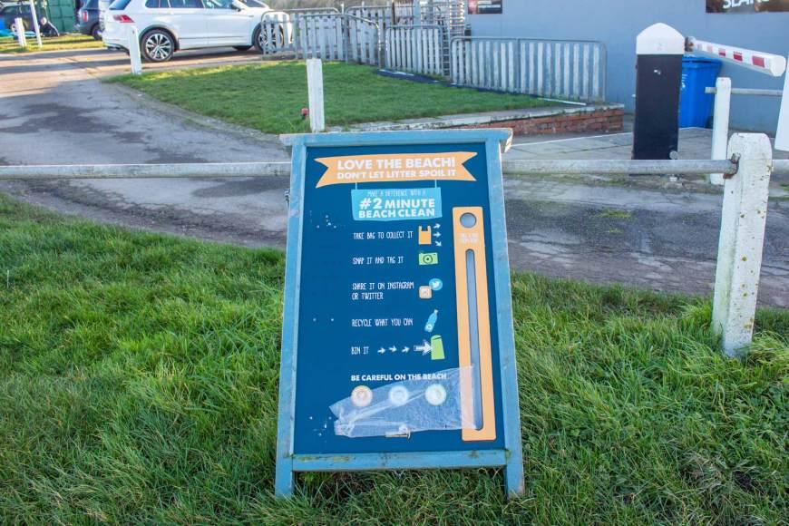 Cayton Bay 2 Minute Beach Clean