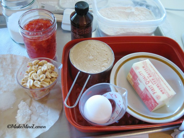 ©MakeMineLemon - Peanut Butter and Jelly Bars Ingredients