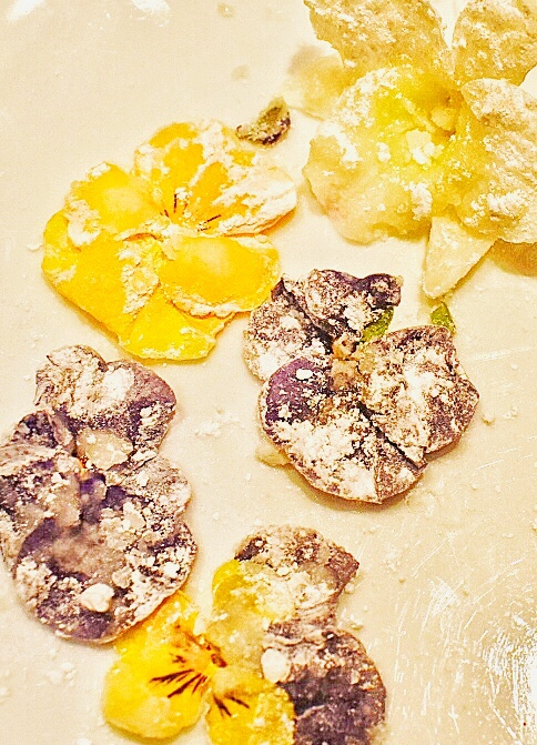 sugared edible flowers