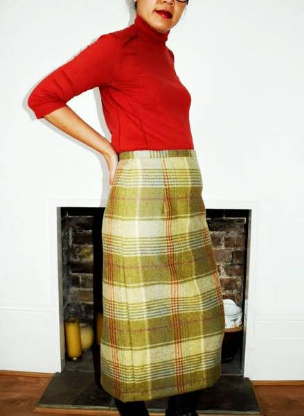 How to wear tweed skirt