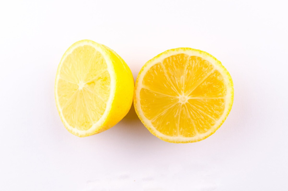 lemon cut into half