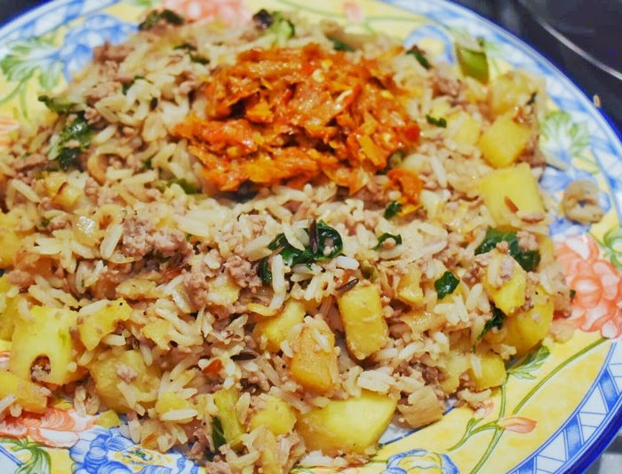 Pineapple fried rice recipe how to cook at home
