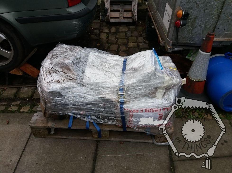 Pallet unpacking