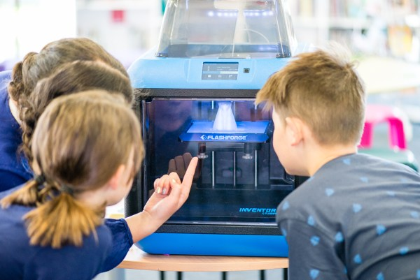 What Teachers Need to Know about Safety and Air Filters Re: 3D Printers in Schools