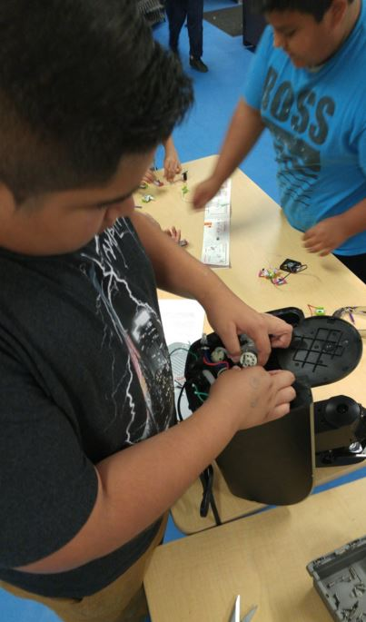 Perris Union High School Makerspace @mark_synnott