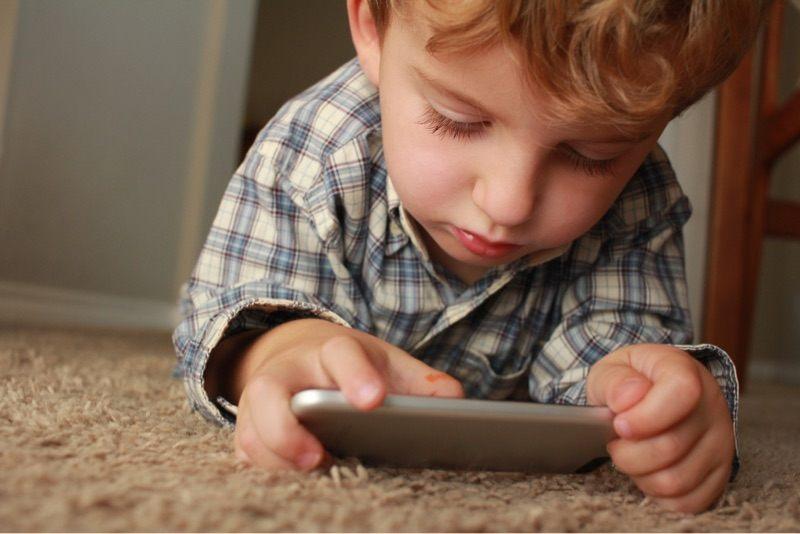 writers-opinion-youtube-ads-kids-boy