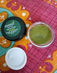 Neemli Green Tea Lip Scrub