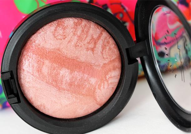 MAC Lust Mineralize Skinfinish